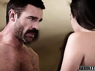 Babe Gets With Her Stepdad at Psychoanalysis