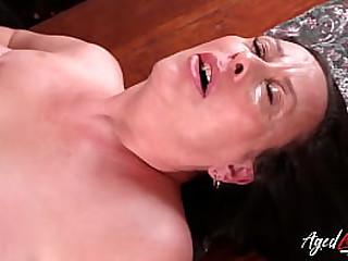 Super hot full-grown lady of latin origin hardcore